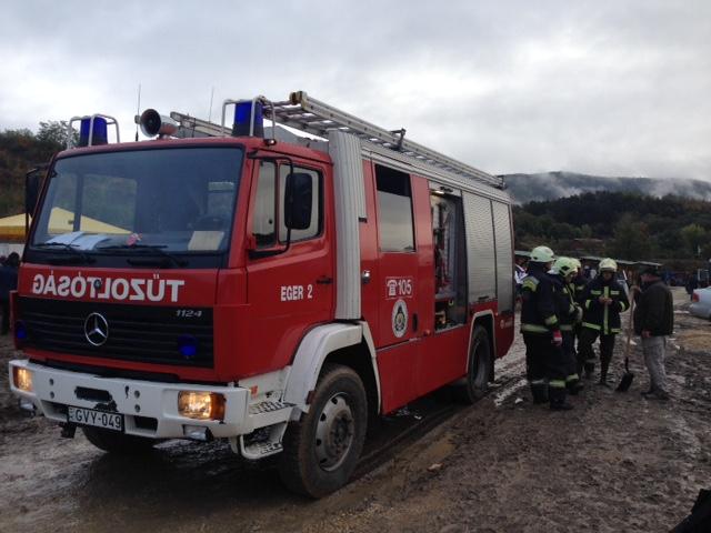 35-Feuerwehr-Einsatzbesprechung.JPG